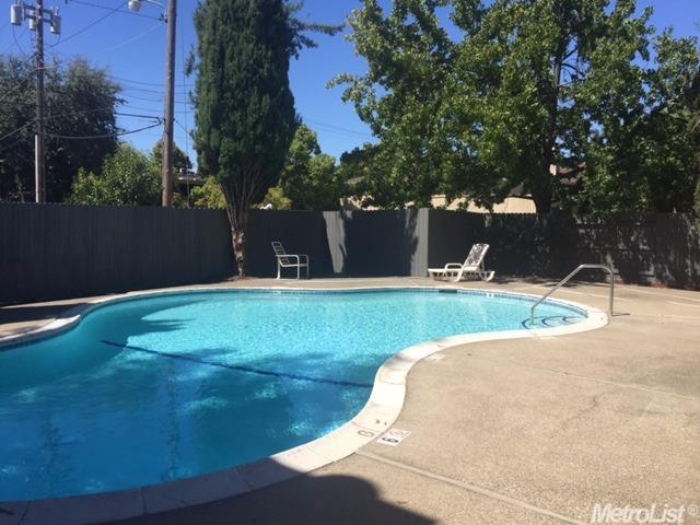 1125 Bell St #4, Sacramento, CA 95825