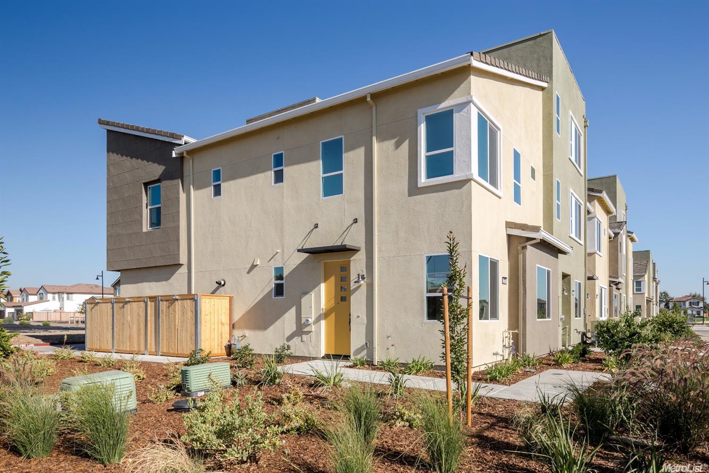 3211 Bridgeway Dr, Rancho Cordova, CA 95670