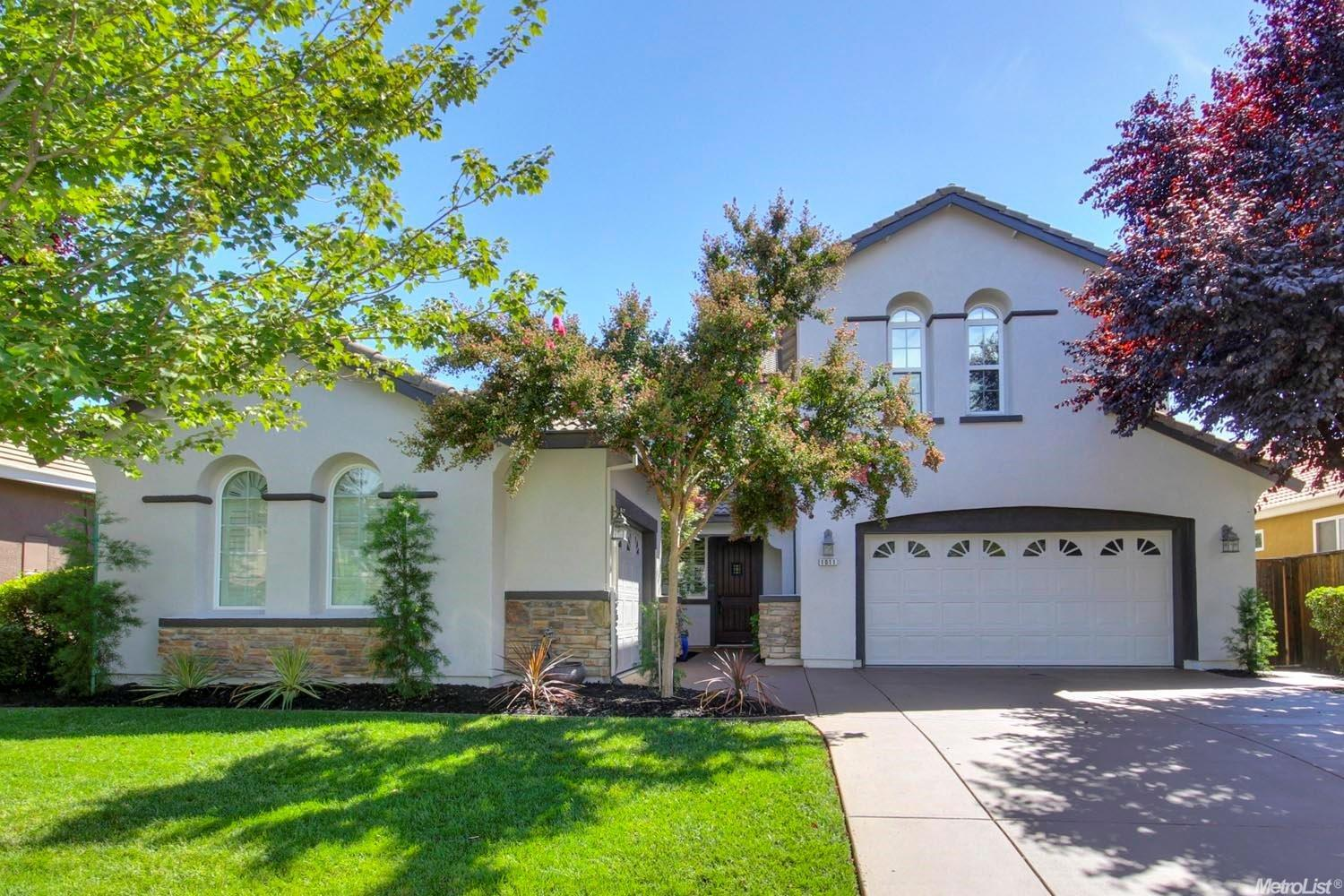 1011 Waterford Dr, West Sacramento, CA 95605