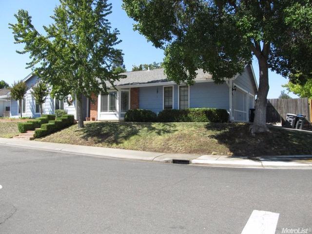9828 Falcon Meadow Dr, Elk Grove, CA 95624