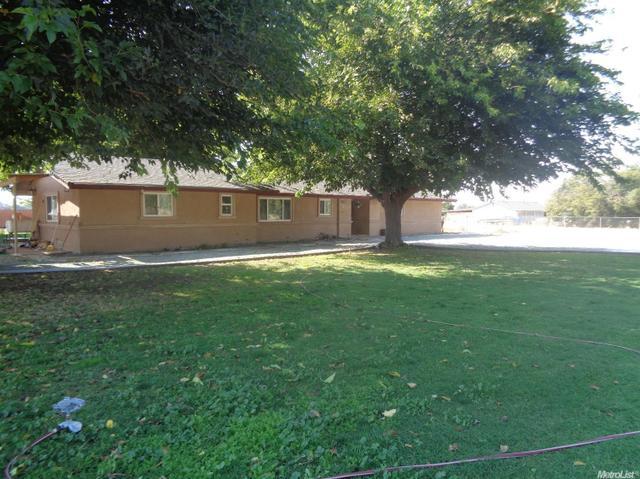24421 N Pearl Rd, Acampo, CA 95220