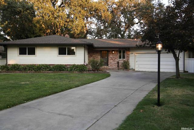 705 Columbia Dr, Sacramento, CA 95864