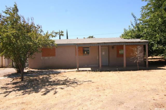 421 A St, Waterford, CA 95386