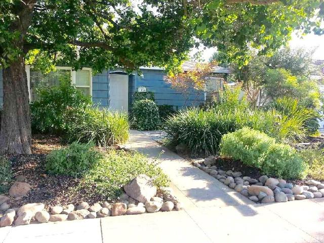 1426 Lake St, Lodi, CA 95242
