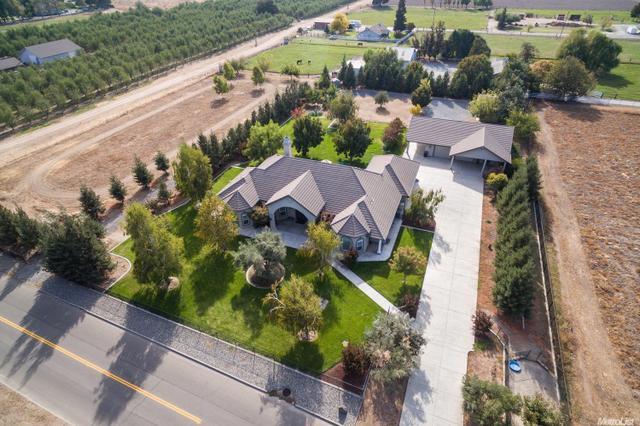 7627 Richardson Rd, Oakdale, CA 95361