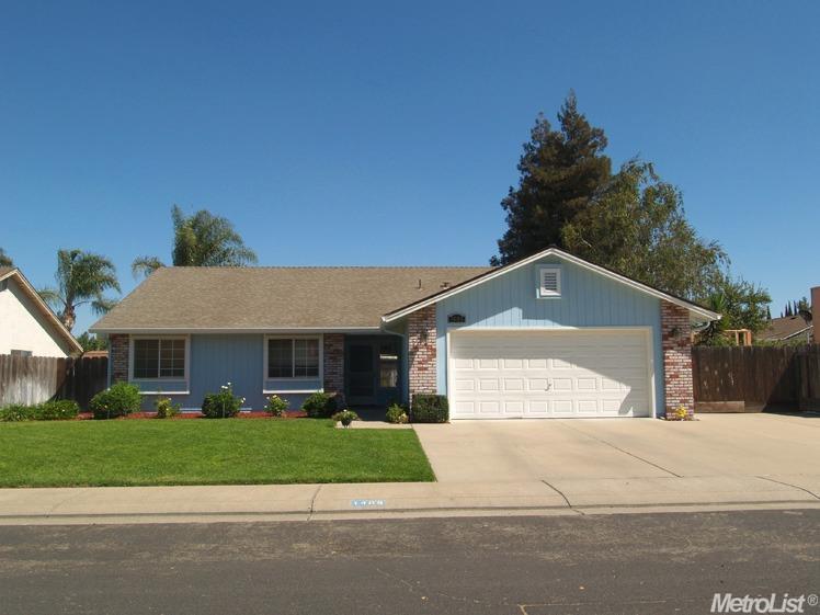 1408 Briarwood Ave, Escalon, CA 95320