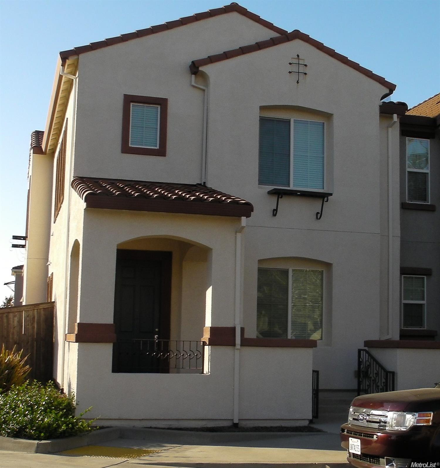 3009 Parkham Dr, Roseville, CA 95747