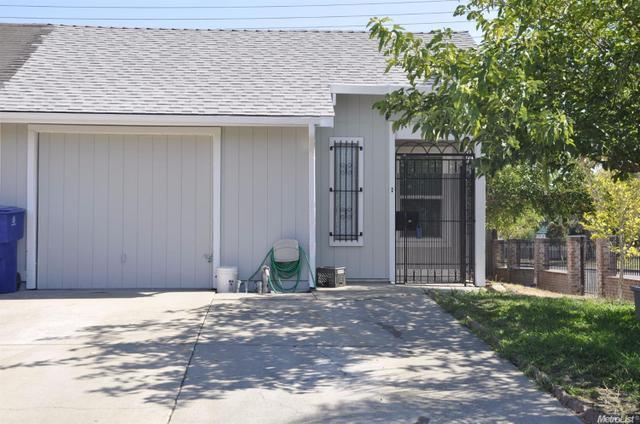 215 Prairie Cir, Sacramento, CA 95828