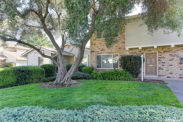 8243 La Riviera Dr, Sacramento, CA 95826