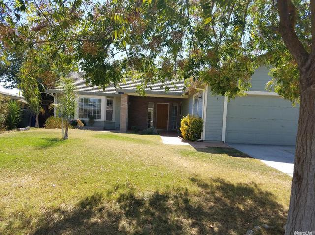 229 E Orange Ave, Los Banos, CA 93635