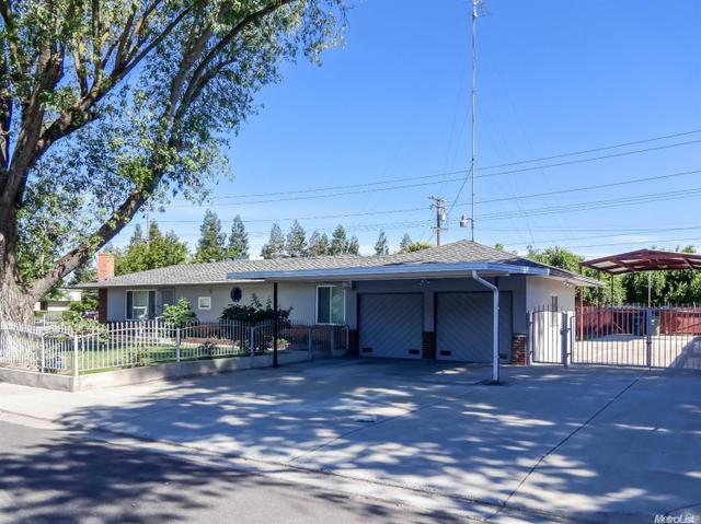 1229 Woodman Way, Modesto, CA 95350