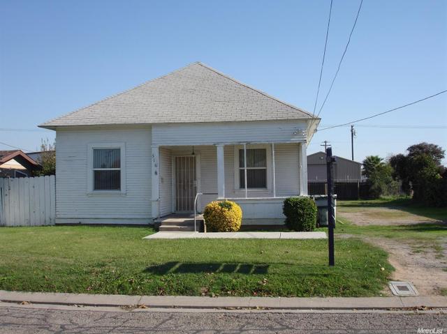 516 S Walnut Ave, Ripon, CA 95366