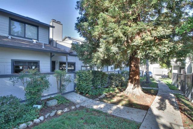6231 Oak Valley Ln, Citrus Heights, CA 95621