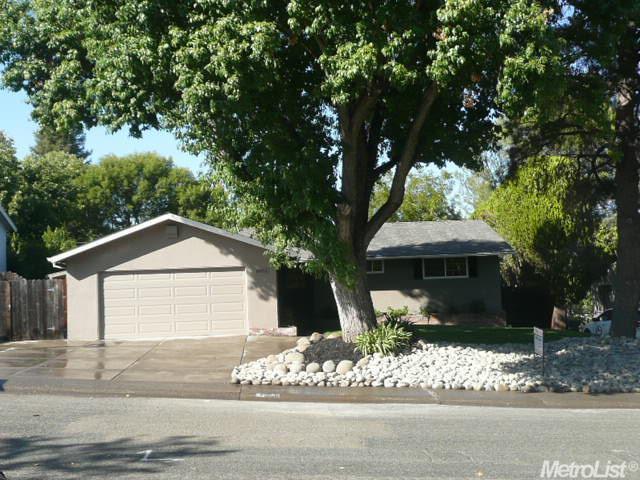 8953 Amerigo Ave, Orangevale, CA 95662
