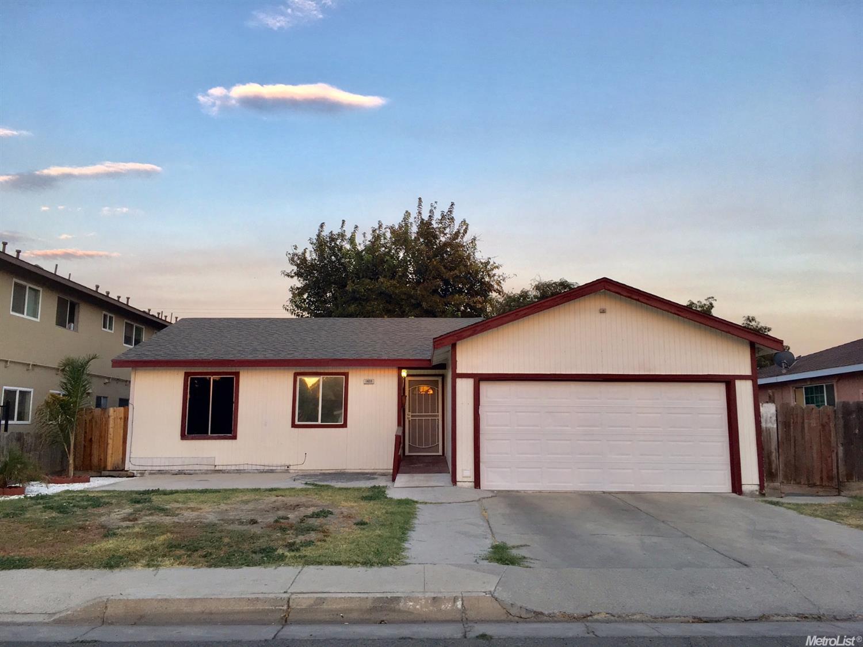 1833 Lucerne Ave, Dos Palos, CA 93620