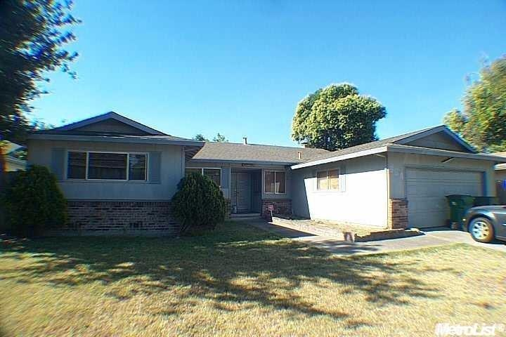 330 Strathaven Way, Stockton, CA 95210