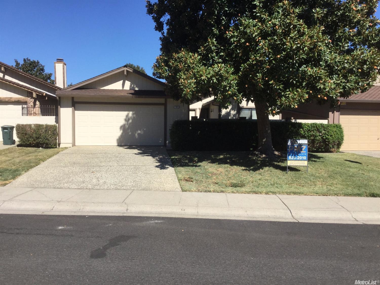 18 Petrilli Cir, Sacramento, CA 95822
