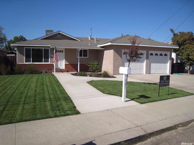 985 Terrace Dr, Oakdale, CA 95361