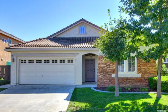 2404 Migration Dr, Elk Grove, CA 95757