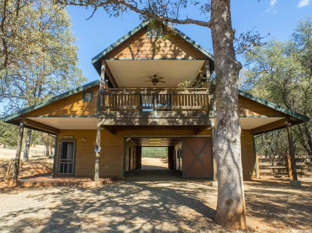20266 Buckboard Rd, Grass Valley, CA 95949