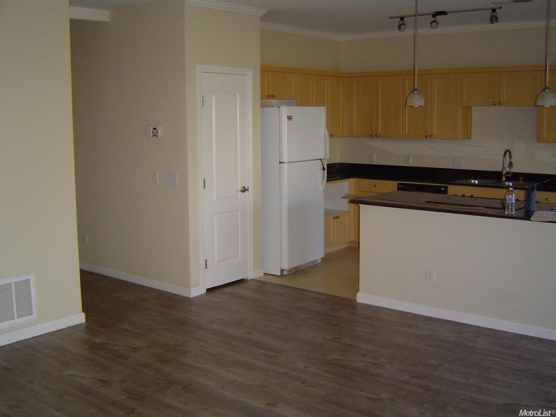 1818 Moore Blvd #222, Davis, CA 95618