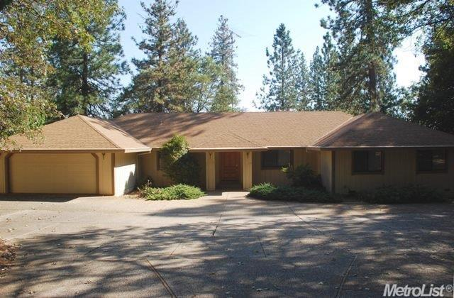 15415 Carrie Dr, Grass Valley, CA 95949