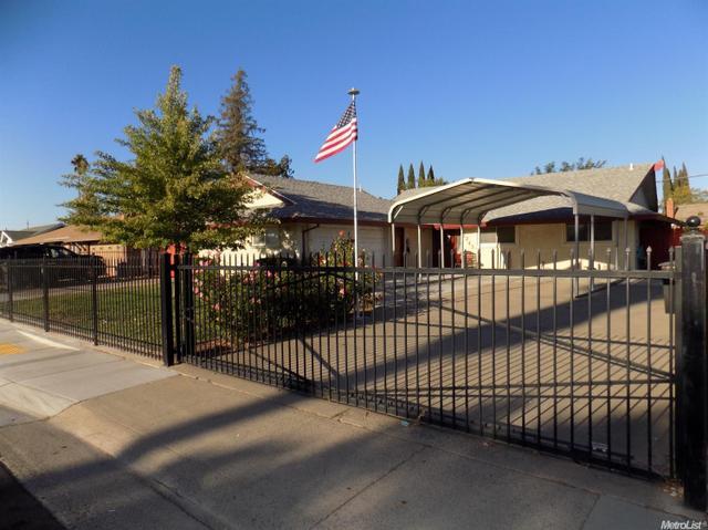 7243 Palmer House Dr, Sacramento, CA 95828