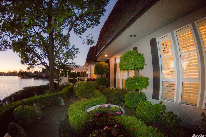 2319 Meadow Lake Drive, Stockton, CA 95207