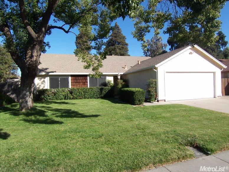 1454 Trailwood Ave, Manteca, CA 95336