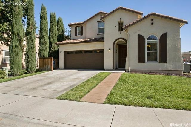 3662 W River Dr, Sacramento, CA 95833