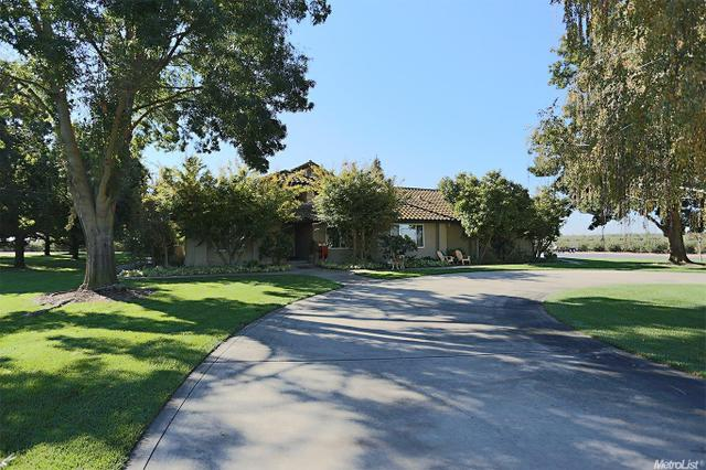 5273 Mercedes Ave, Winton, CA 95388