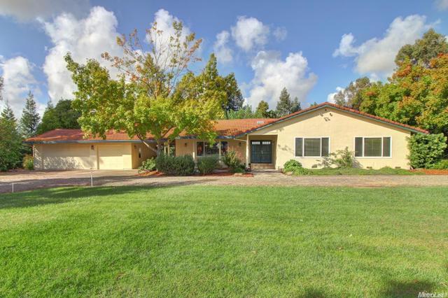 9530 Sunflower Rd, Wilton, CA 95693