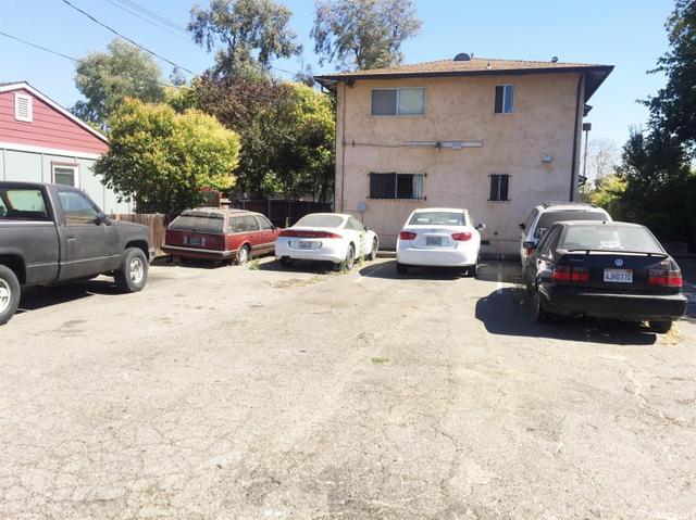 2412 Yreka Ave, Sacramento, CA 95822