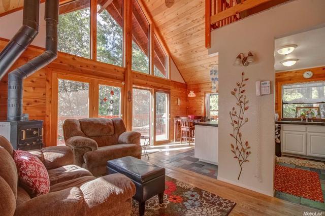 4020 Sierra Springs Dr, Pollock Pines, CA 95726