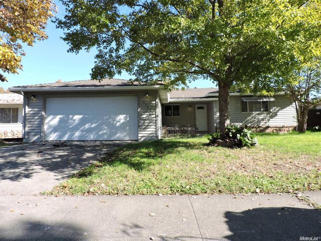 6755 Golf View Dr, Sacramento, CA 95822