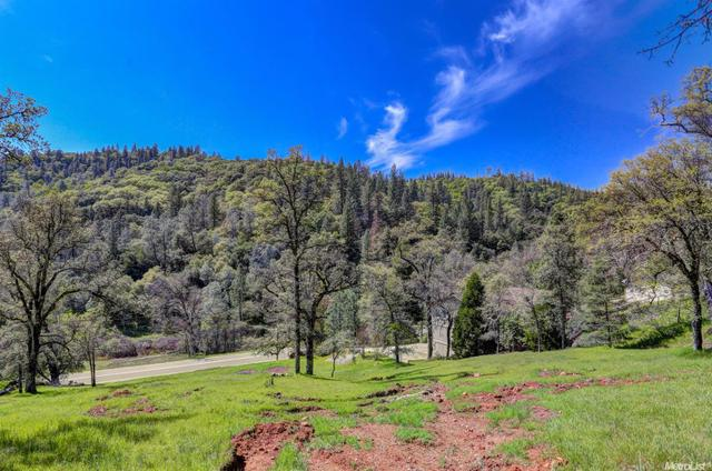 16289 Brewer Rd, Grass Valley, CA 95949