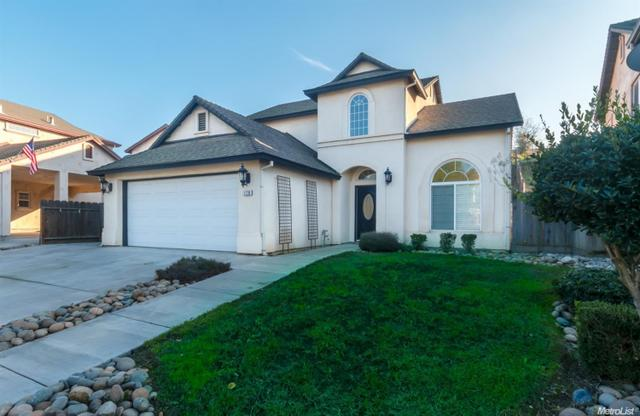 1779 W J St, Oakdale, CA 95361