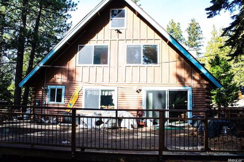 700 Wentworth Ln, South Lake Tahoe, CA 96150