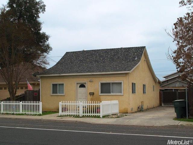 326 S 6th Ave, Oakdale, CA 95361