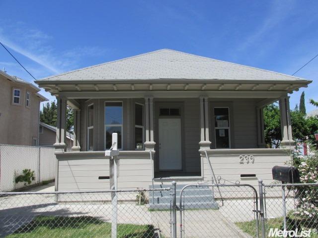239 E Hampton St, Stockton, CA 95204