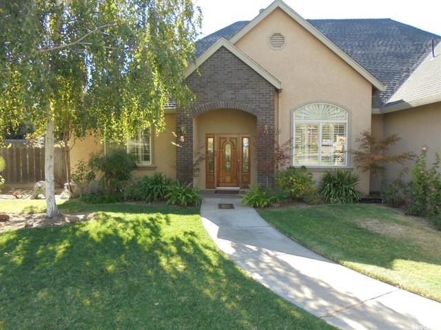 9601 Sommer Pl, Oakdale, CA 95361