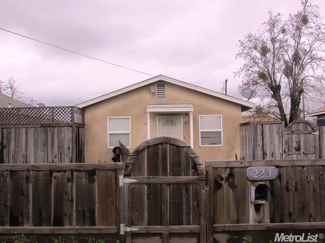 223 W Syracuse Ave, Turlock, CA 95380