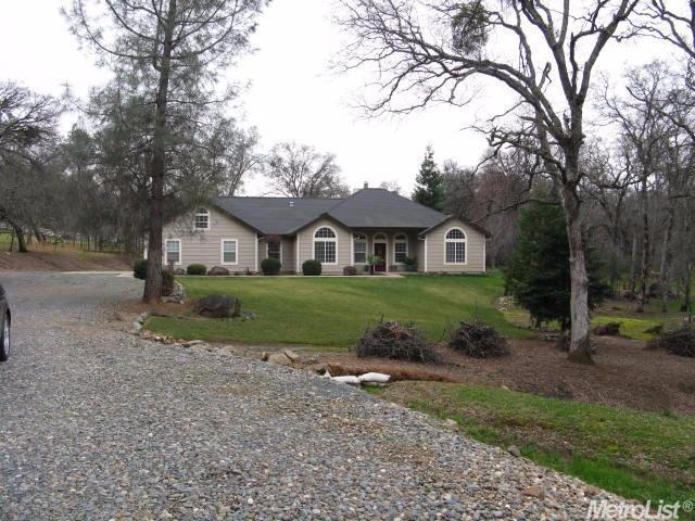 7218 White Oak Ln, Browns Valley, CA 95918