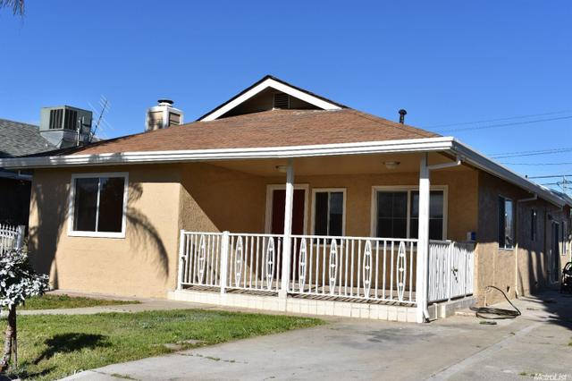 562 F St, Waterford, CA 95386