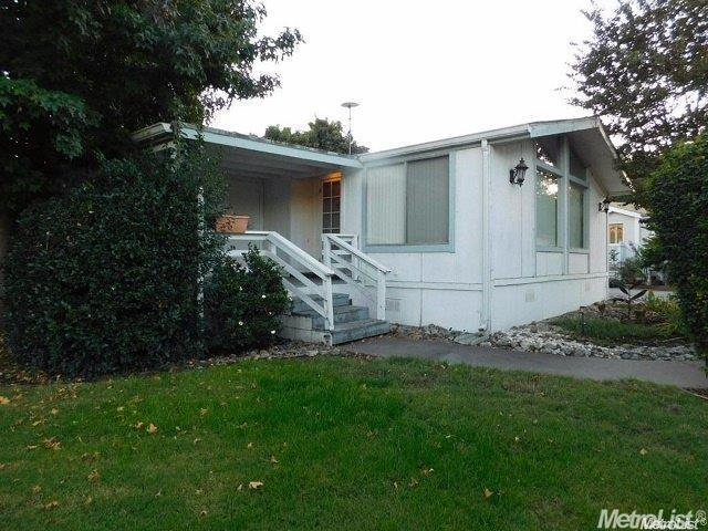 8 Blackberry Ct, Lodi, CA 95242