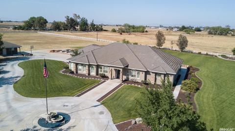 18550 Estates Dr, Stevinson, CA 95374
