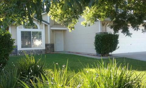 4101 Summerfield Dr, Turlock, CA 95382