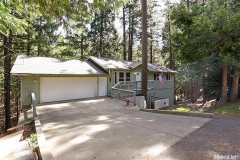 5451 Buttercup Dr, Pollock Pines, CA 95726
