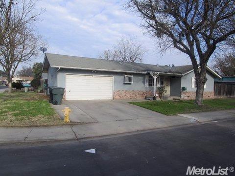 2425 Hamble Ln, Modesto, CA 95354