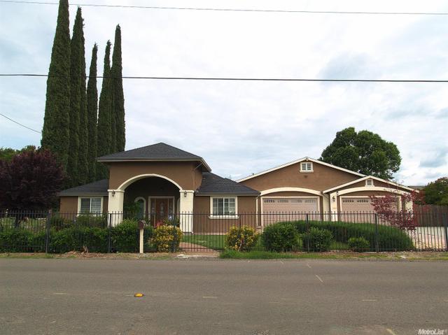 1657 Elm Ave, Modesto, CA 95358